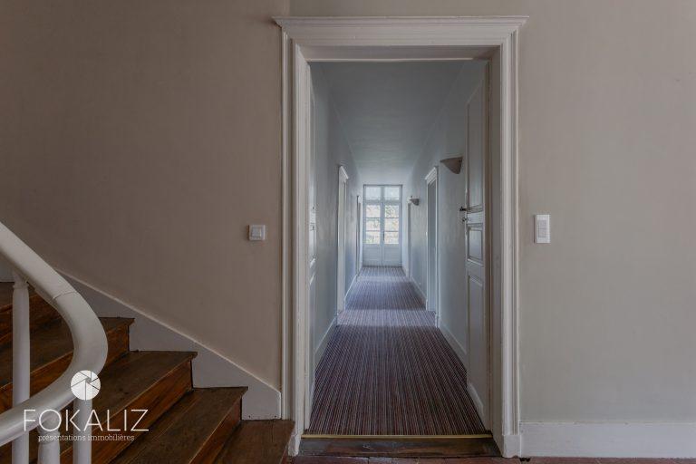 2 etage gang en trapleuning